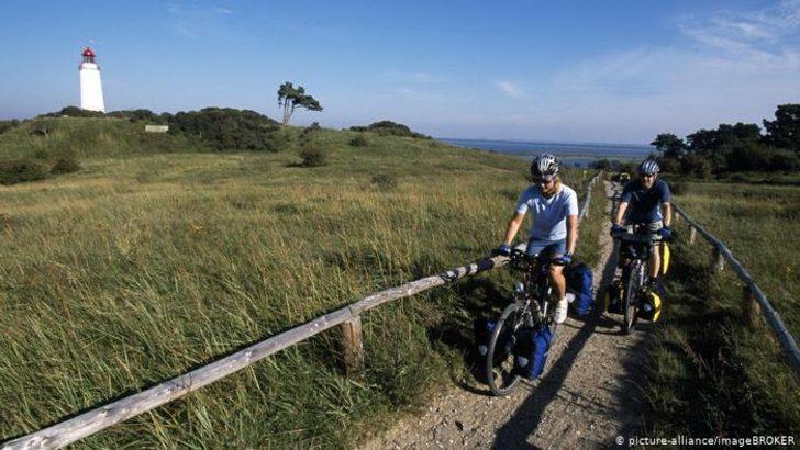 Fransa'dan koronavirüse karşı bisikletli önlem