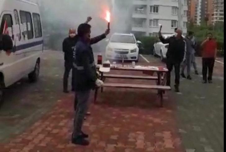 Mersin'de belediyenin temizlik işçilerine '1 Mayıs' sürprizi