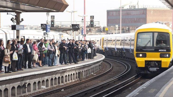 İngiltere'de toplu taşımaya binmek için ateş ölçümü zorunlu olabilir