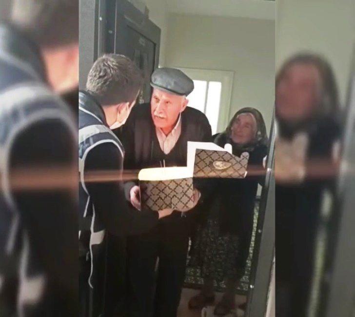 86 yaşına giren Veli amcaya doğum günü sürprizi
