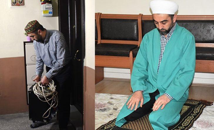 Din görevlisi komşularına evlerinde teravih namazı kıldırıyor