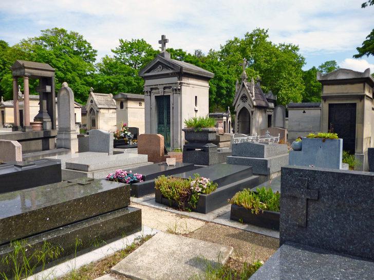 Fransa'da mezarlık krizi: Müslümanları gömecek yer yok