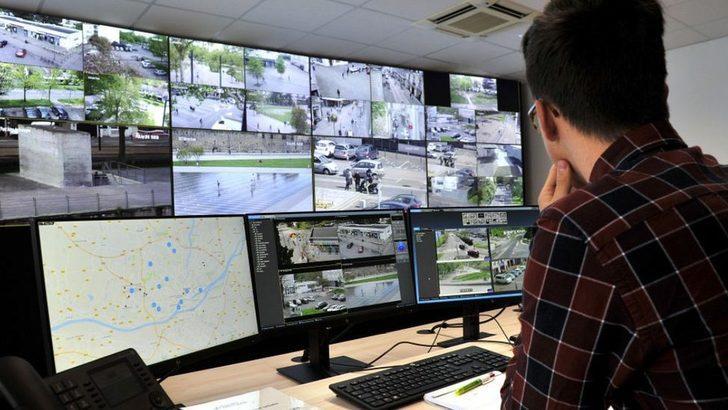 Koronavirüs: Fransa'da güvenlik kameralarıyla maske ve sosyal mesafe denetimi