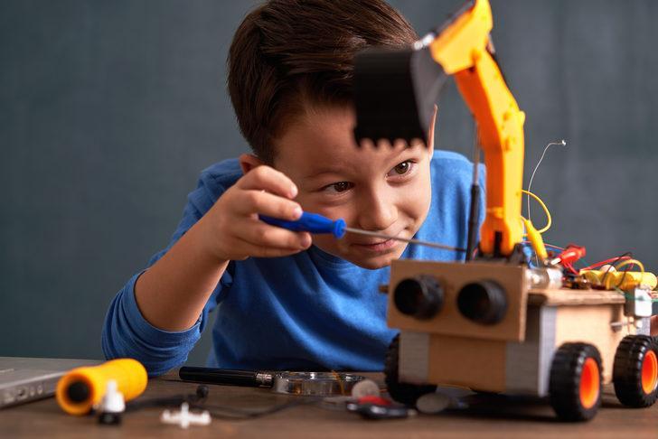 Karantinadaki otizmli çocuklara nasıl davranılmalı?