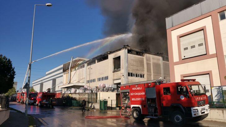 Gebze'de fabrika yangını! Ekipler bölgede