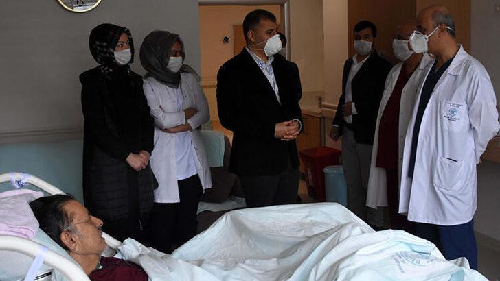 35 gün yoğun bakımda kalan iş adamı koronavirüsü yendi