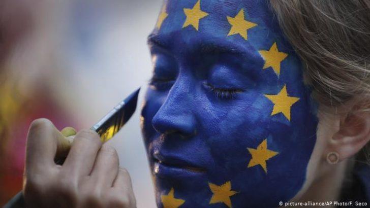 Avrupa'nın popülistleri koronadan çıkar peşinde