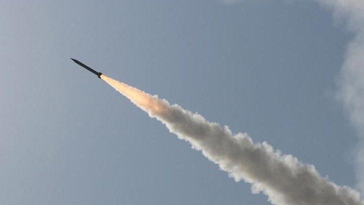İran tatbikatta yanışlıkla kendi savaş gemisini batırdı