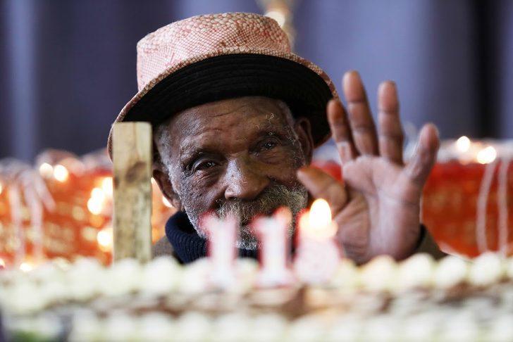 Resmi olmayan kayıtlara göre dünyanın en yaşlı adamı doğum gününü kutladı