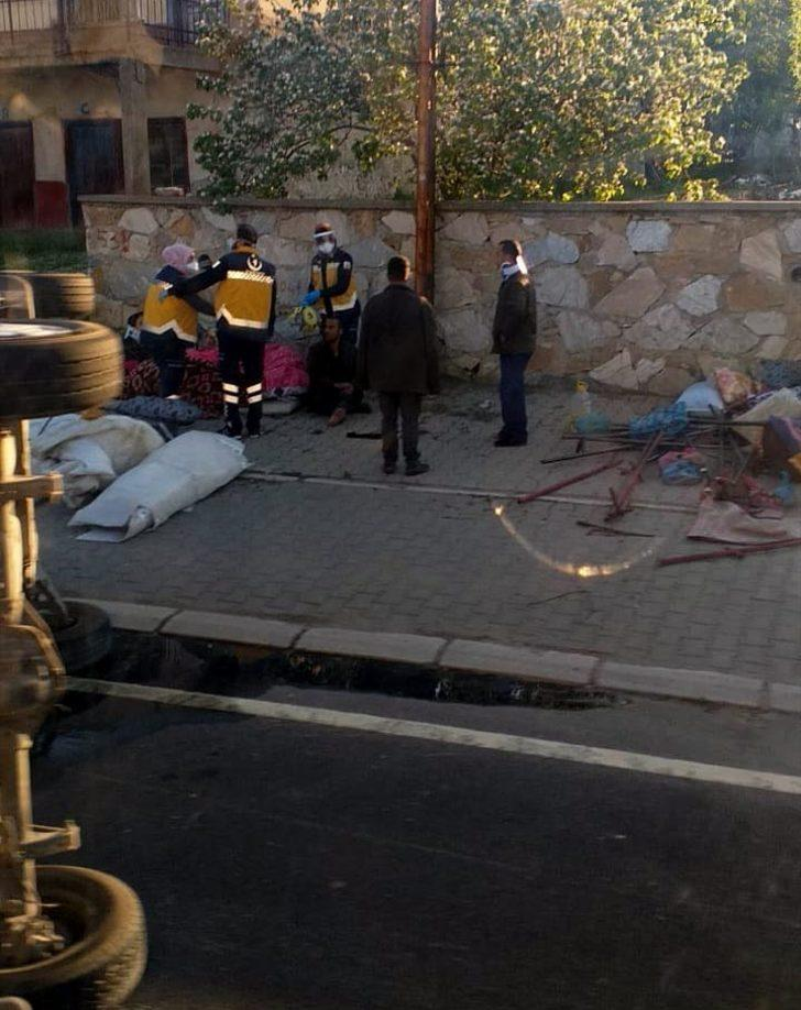 Kırşehir'de, tarım işçilerini taşıyan minibüs devrildi! Yaralılar var