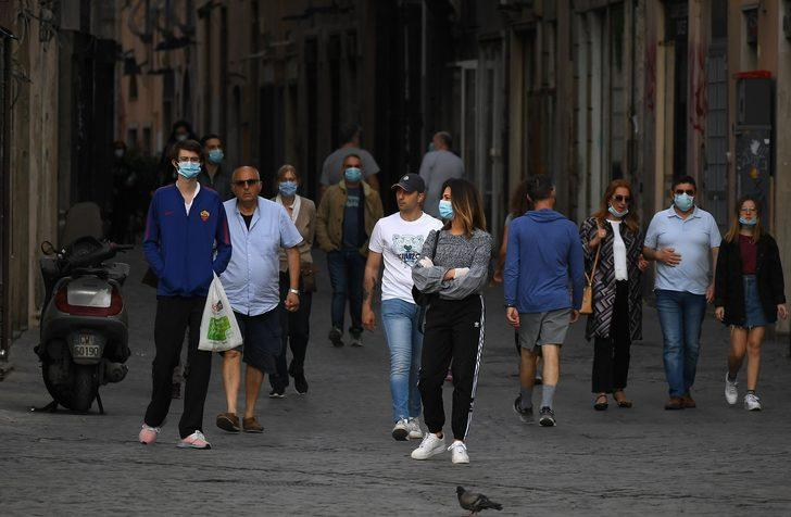 İtalya'da son 24 saatte koronavirüsten 179 ölüm