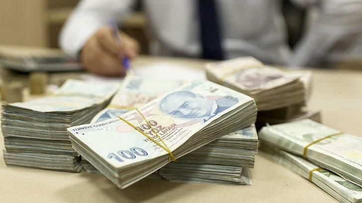 Antalya'da bir vatandaş hesabına fazla yatan 96 bin lirayı bankaya iade etti