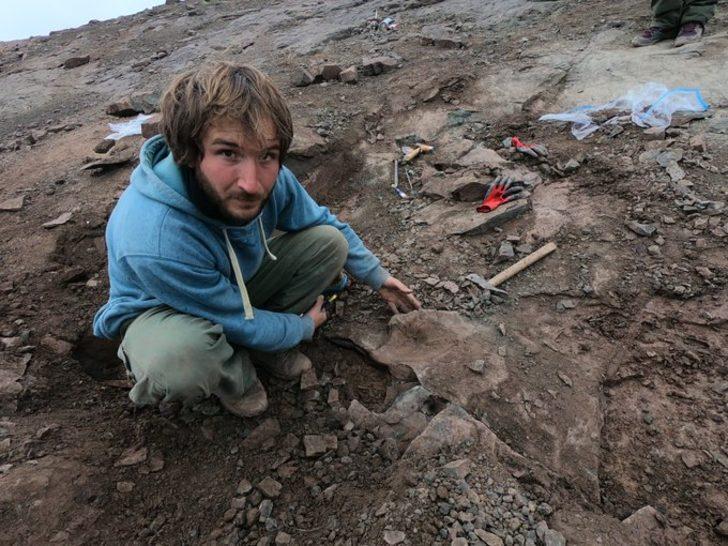 Arjantin'de 10 metrelik dinozor fosili bulundu