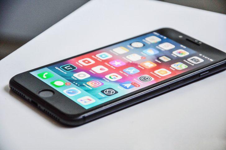 Xiaomi CEO'su Lei Jun iPhone ile yakalandı!