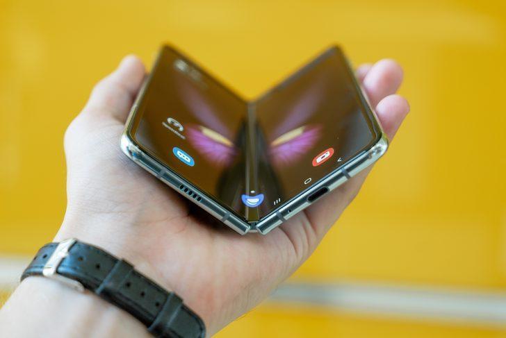 Samsung Galaxy Fold Lite geliyor! Katlanabilir akıllı telefonlar ucuzluyor mu?
