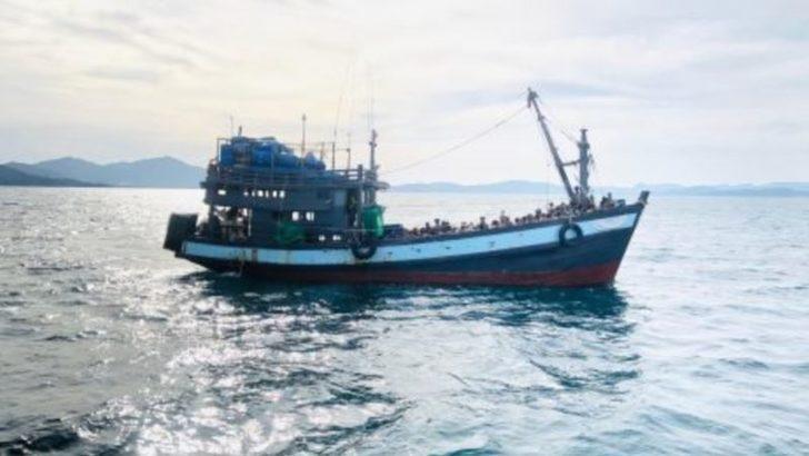 Binden Fazla Rohingyalı Müslüman Denizde Mahsur Durumda