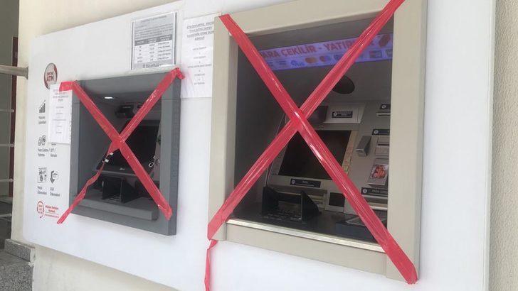 Müşteri bankada bayıldı, koronavirüs şüphesiyle şube kapatıldı