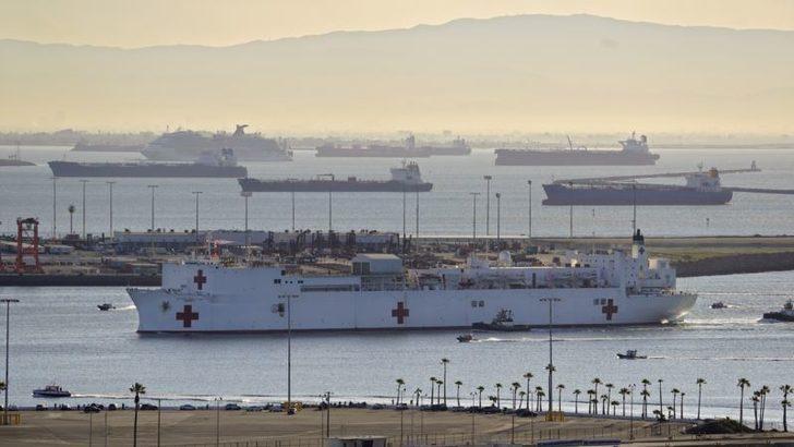 Los Angeles'taki Yüzen Hastane Gemisi Mercy Geri Döndü