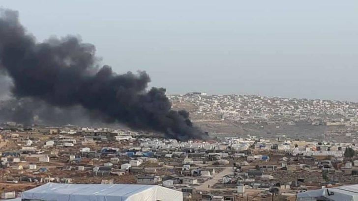 İdlib'te sığınmacıların kaldığı kampta korkutan yangın