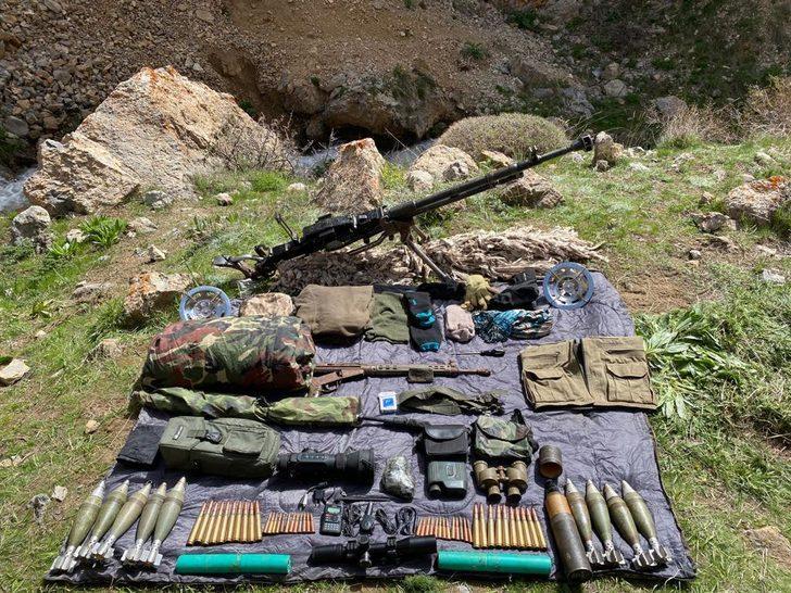 Başkale'de PKK'ya ait silah ve mühimmat ele geçirildi