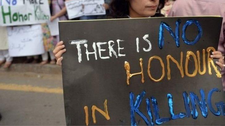 Pakistan'da iki kız çocuğu aileleri tarafından öldürüldü