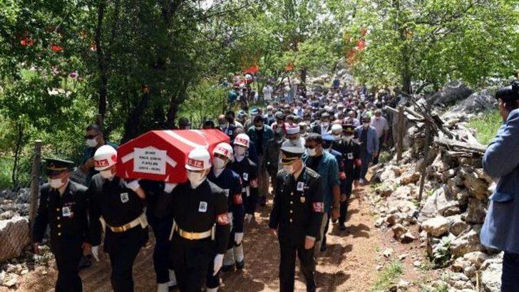 Şehit Sözleşmeli Er Halil Çakır son yolculuğuna uğurlandı