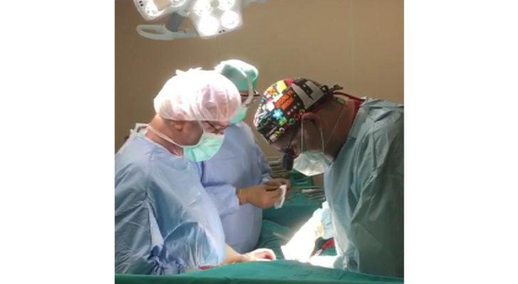 Okmeydanı'nda ameliyat sırasında İstiklal Marşı'nı okudular