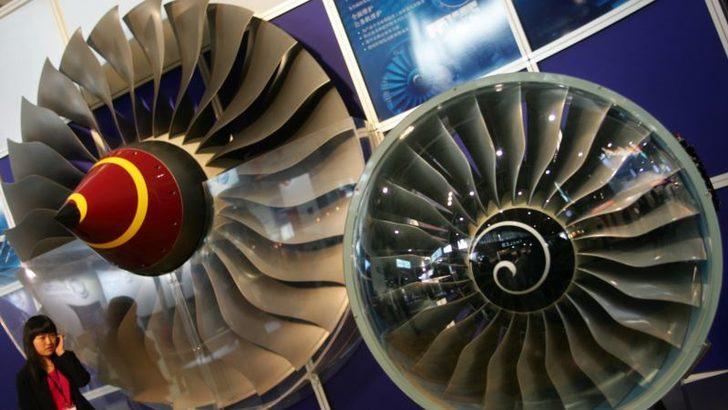 Uçak Motoru Üreticisi İngiliz Rolls-Royce 9 Bin Kişiyi İşten Çıkaracak