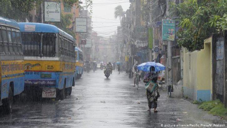 Hindistan ile Bangladeş fırtına felaketiyle karşı karşıya