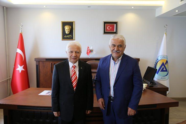 KTÜ eski rektörü Prof. Dr. İbrahim Özen, Avrasya Üniversitesi'nin akademisyen kadrosuna katıldı