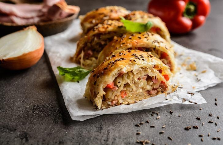 Bayram için börek tarifi arayanlara: Lahmacun böreği