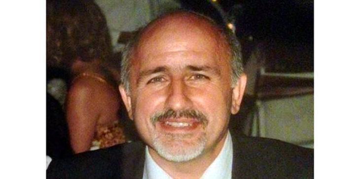 Opr. Dr. Uğur Ertuğrul koronavirüs nedeniyle hayatını kaybetti