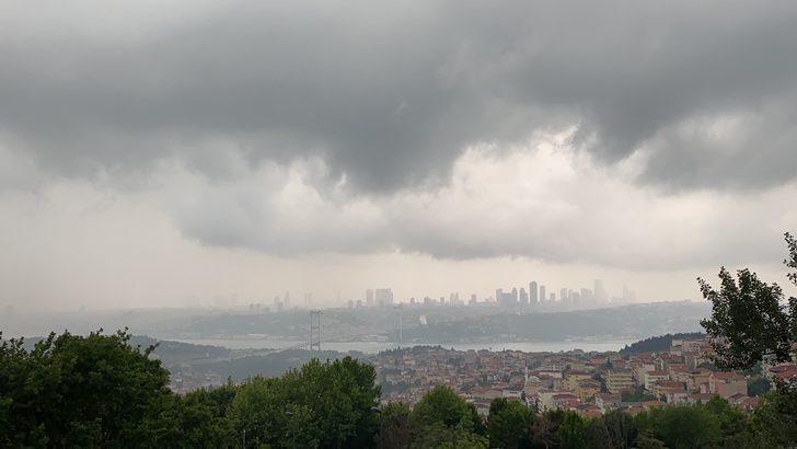 Boğaz'ın üstünü kara bulutlar kapladı