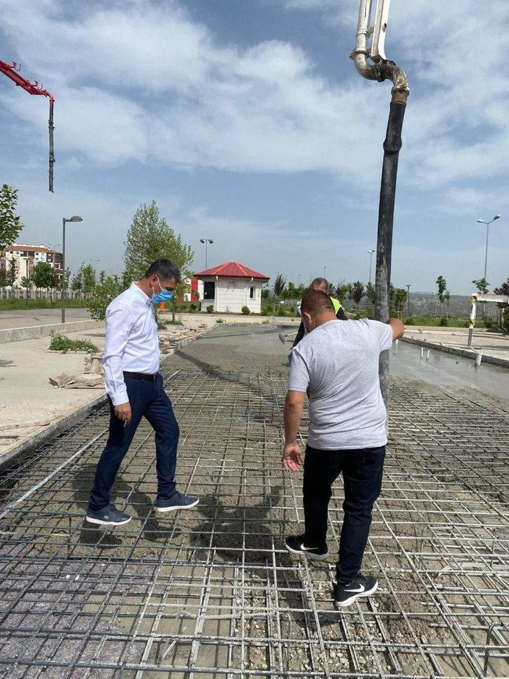 Gölbaşı Belediyesi Şehit Ahmet Özsoy Hastanesi karşısına 8 büfe yapıyor