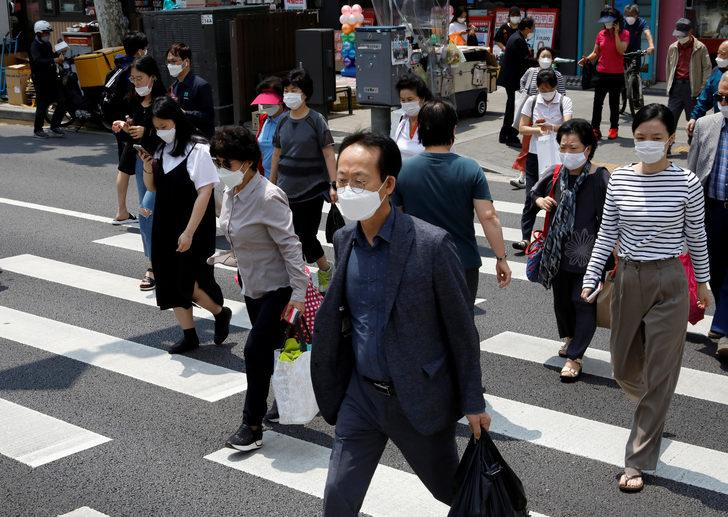 Güney Kore'den kötü haber: Vakalar arttı kısıtlamalar yeniden başladı
