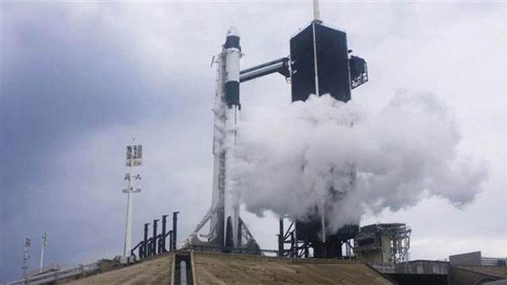 SpaceX'in geliştirdiği Crew Dragon kapsülü hakkında merak edilenler