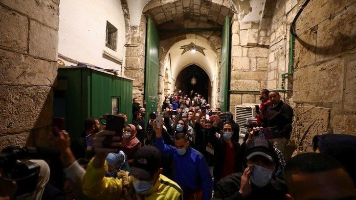 Fotoğraflarla: Mekke, Medine ve Kudüs'te camiler tekrar açıldı