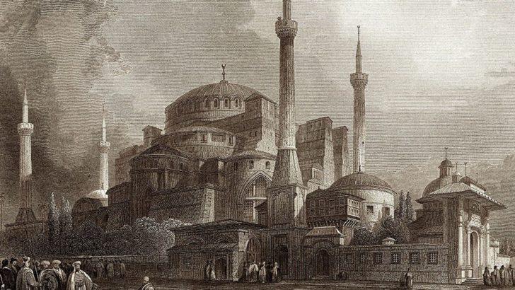 Ayasofya: Statüsüyle ilgili tartışmaların hiç bitmediği kutsal mekan