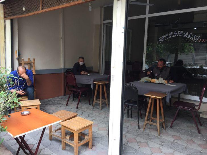 İstanbul'da kıraathaneler açıldı