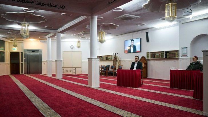Koronavirüs: Hollanda'nın Lahey kentinde gizli ibadet nedeniyle bazı camilerin açılışı ertelendi