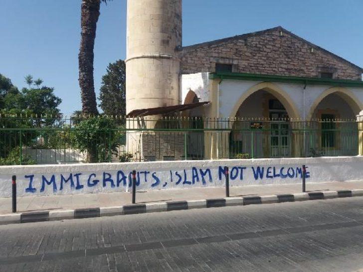 AK Parti'den Güney Kıbrıs'taki çirkin saldırıya sert tepki