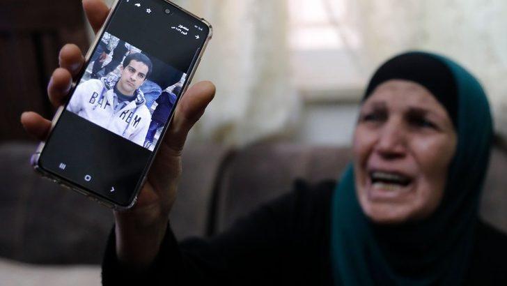 İsrail polisinin öldürdüğü otizmli Filistinli Iyad Halaq'ın cenazesine yüzlerce kişi katıldı: 'Filistinlilerin Yaşamı Önemlidir'