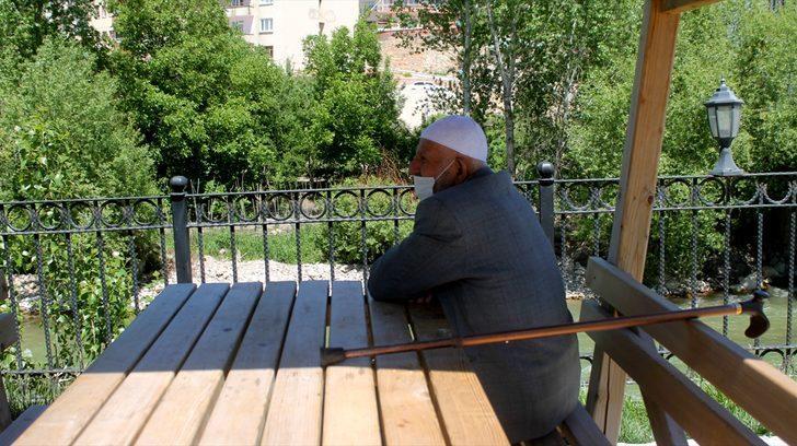 Doğu Karadeniz'de 65 yaş ve üzeri vatandaşlar güneşin tadını çıkardı
