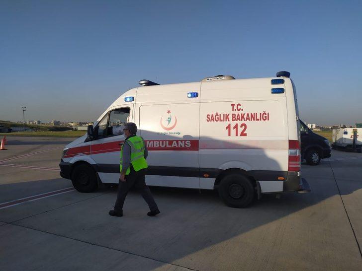 Bakü'deki kanser hastası Türk, ambulans uçakla İstanbul'a getirildi