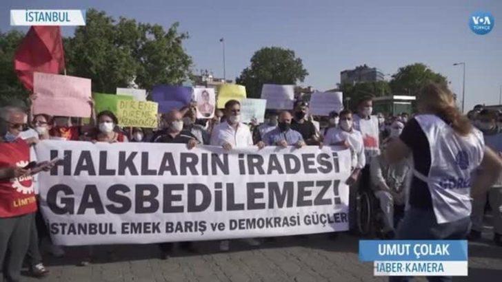 Üç Siyasetçinin Vekilliğinin Düşürülmesi Protesto Edildi