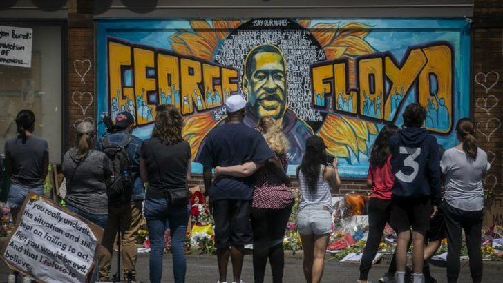 Floyd'un Naaşı Houston'da 6 Saat Boyunca Ziyarete Açık Olacak