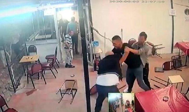 Bıçaklı saldırıya sandalye ile karşı koymaya çalışmış