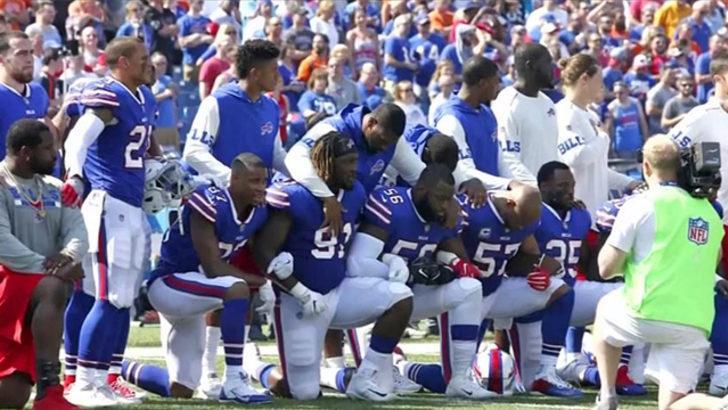 ABD'de futbolcuların diz çökme yasağı kaldırıldı
