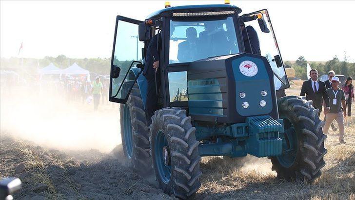 Bakan Pakdemirli duyurdu! Elektrikli traktör için tarih netleşti
