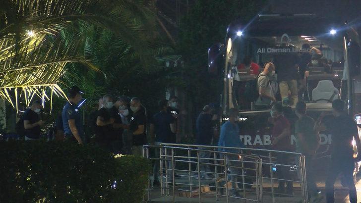 Trabzonspor, Fenerbahçe maçı için İstanbul'a geldi